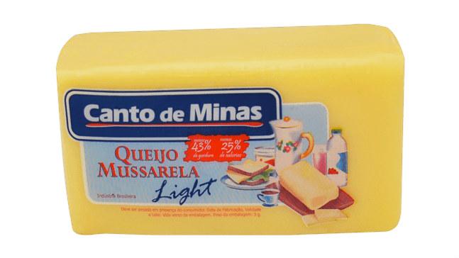 Queijo mussarela light em barra Canto de Minas 480g